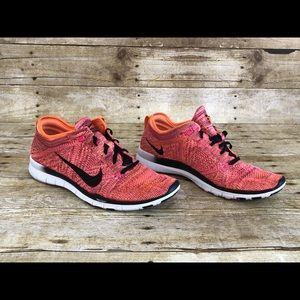 Nike Free TR Flyknit Running Shoe (718785-800)